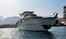 Pasific yacht